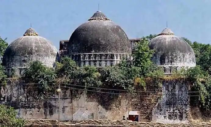 अयोध्या की जमीन पर मस्जिद नहीं...अस्पताल और स्कूल चाहता है मुस्लिम निकाय, मुनव्वर राणा ने दिया ये सुझाव...