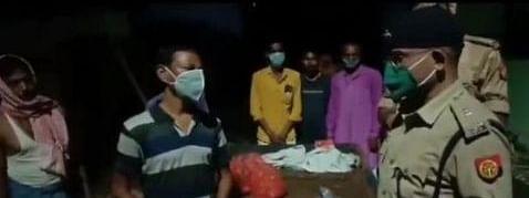 मानवता शर्मशार: वाराणसी में बाइक रोककर दारोगा ने पलटा बुजुर्ग का ठेला, SSP ने किया सस्पेंड