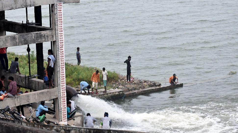 प्रयागराज में बाढ़ का खतरा, गंगा नदी में छोड़ा गया साढ़े 3 लाख क्यूसेक से ज्यादा पानी