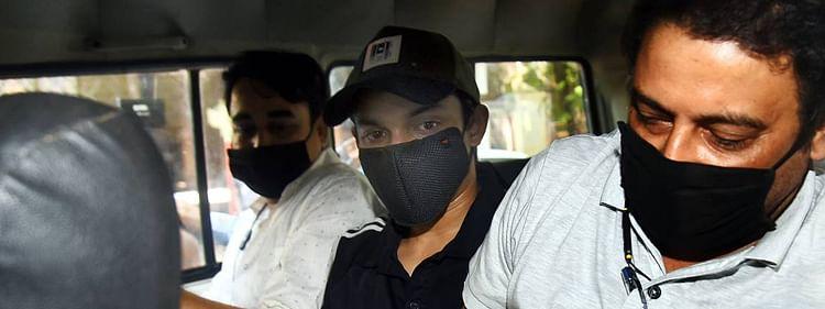 सुशांत मामला: NCB ने शोविक के स्कूल के दोस्त को किया अरेस्ट, जल्द होगी पेशी..अब तक 15 लोगों की गिरफ्तारी