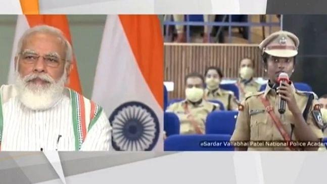दीक्षांत समारोह में वीडियो कॉन्फ्रेंसिंग के जरिए PM मोदी ने पुलिस अफसरों को किया संबोधित, तनाव झेलने के लिए दिया योग का मंत्र