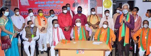 लखनऊ: सेवा सप्ताह के रूप में मनाया जा रहा PM मोदी का जन्मदिन, खुशी के मौके पर लोगों के सेवाभाव में जुटी BJP