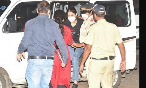 रिया ने कई बॉलीवुड हस्तियों को किया बेनकाब, दो एक्ट्रेस समेत 3 सेलेब्रेटीज NCB की रडार पर