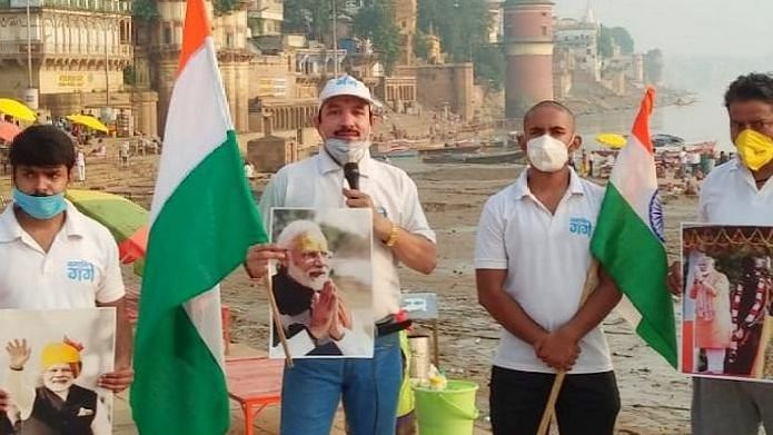 PM मोदी के जन्मदिन सेवा सप्ताह पर काशी के अस्सी घाट पर चला सफाई अभियान, सम्मानित हुए सफाईकर्मी