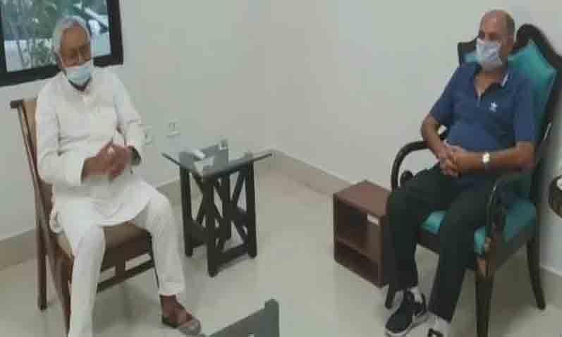 बिहार: सुशांत के पिता नीतीश से मिले, न्याय दिलाने का किया अनुरोध