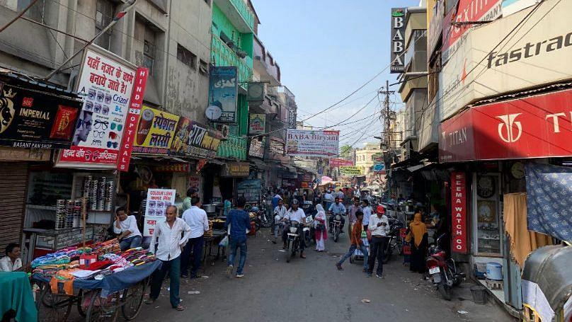 Unlock 4: यूपी सरकार की ढील के बाद लखनऊ के बाजारों में दिखा कुछ ऐसा माहौल