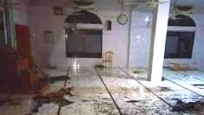 बांग्लादेश: मस्जिद में इकट्ठे 6 AC फटने से मरने वालों की संख्या बढ़कर हुई 17, दर्जनों की हालत गंभीर
