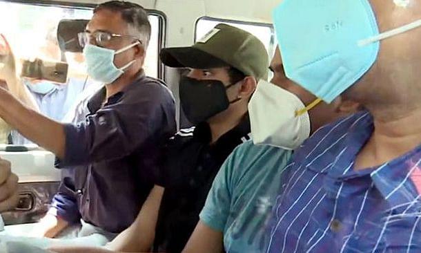 ड्रग मामले में NCB का दावा, 'बॉलीवुड में ड्रग के गढ़ को उखाड़ने' में मदद कर सकता है शौविक