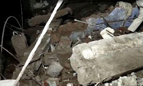 ठाणे में तीन मंजिला इमारत गिरी, 10 की मौत..एक दर्जन से ज्यादा लोगों के मलबे में फंसने की आशंका