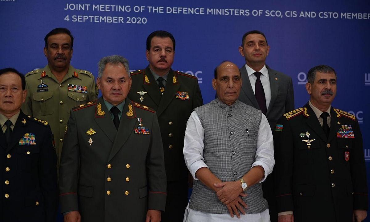 सीमा विवाद पर चीनी रक्षा विभाग के  अपने समकक्ष के साथ बैठक करेंगे राजनाथ सिंह