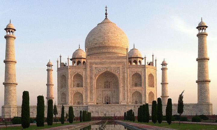 पर्यटकों के लिए सोमवार से खुलेंगे ताज महल और आगरा का किला