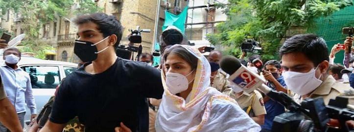 वकील का दावा: जमानत खारिज होने के बाद हाईकोर्ट जाएंगे रिया और शोविक चक्रवर्ती