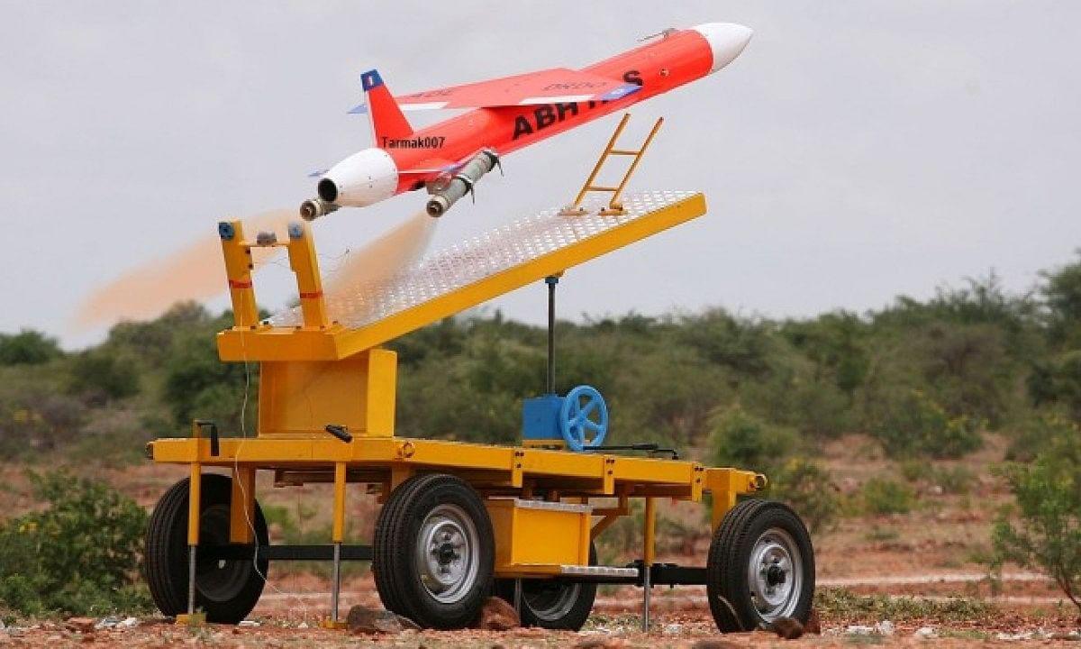 भारत ने स्वदेशी ड्रोन 'अभ्यास' का किया सफल परीक्षण, रक्षामंत्री का दावा, 'मील का पत्थर साबित होगा'