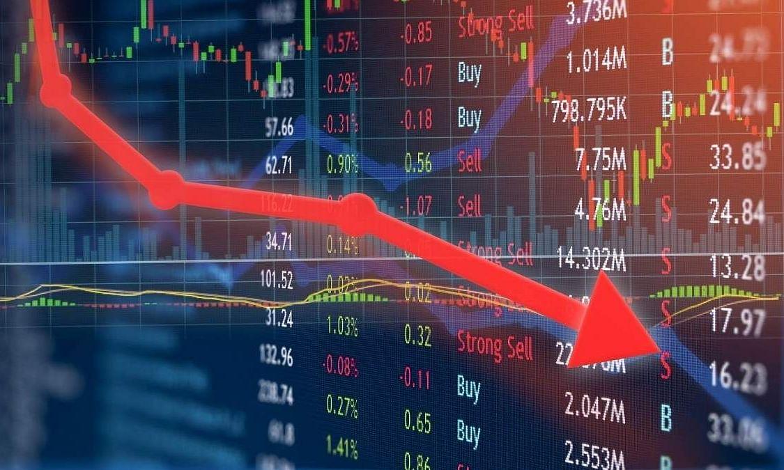 शेयर बाजार में कोहराम, सेंसेक्स 812 अंक टूटा, निफ्टी 2.46 फीसदी लुढ़की