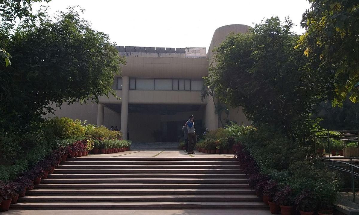 दिल्ली की लाइब्रेरियों में छात्रों के बिना छाई है खामोशी