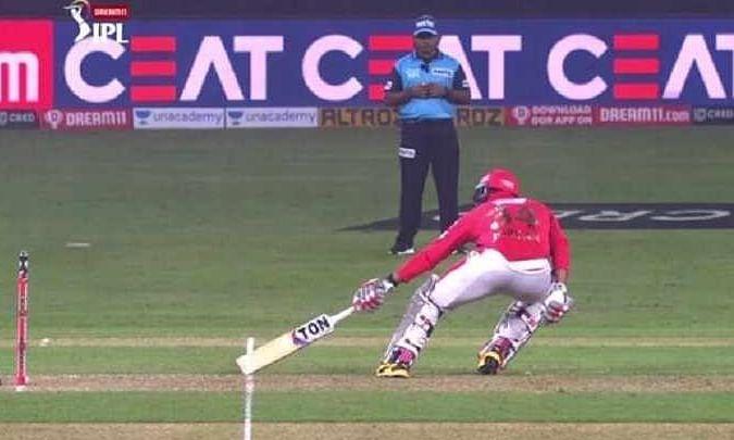IPL 13: अम्पायर के फैसले पर भड़के सहवाग, कहा 'मैन ऑफ द मैच तो इन्ही का होना चाहिए'