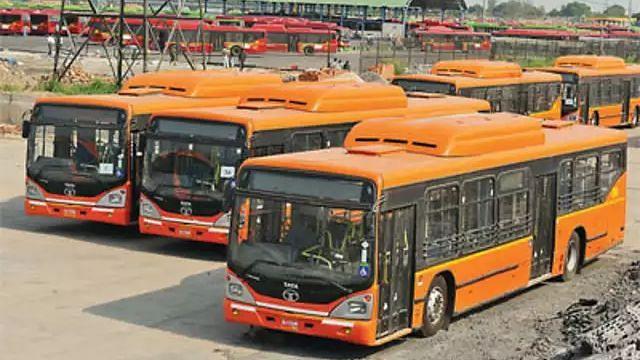 दिल्ली: महिला यात्रियों की सुरक्षा पर विशेष ध्यान, बसों में निगरानी के लिए लगेंगे कैमरे, GPS डिवाइस और पैनिक बटन