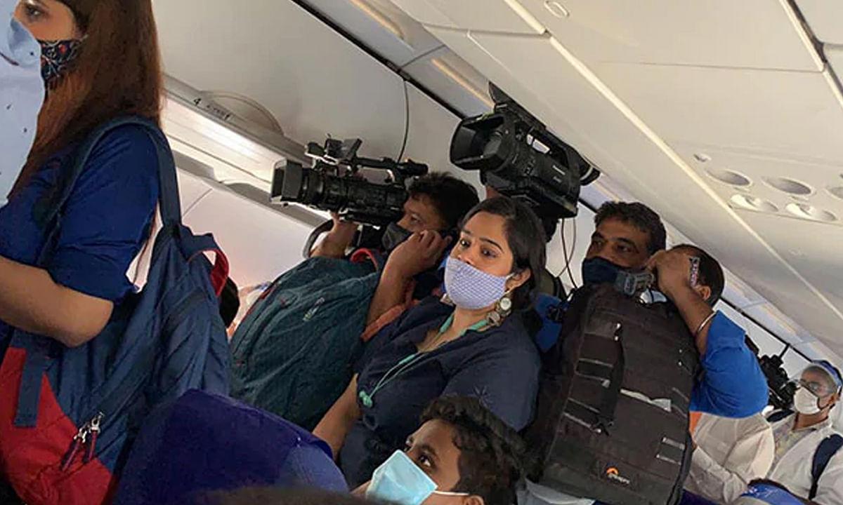 कंगना रनौत की फ्लाइट में हंगामे पर DGCA की फटकार - अगर यात्रियों ने सेल्फी नियम तोड़ा, तो एयरलाइन को झेलना पड़ेगा निलंबन
