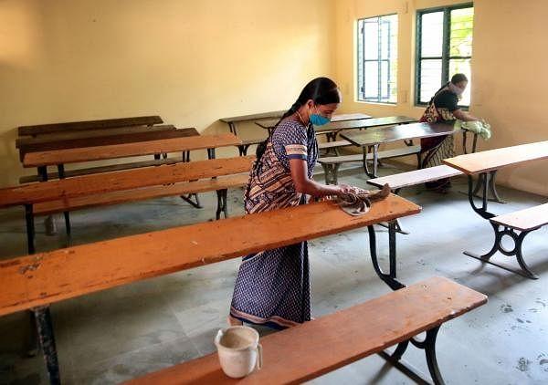 UP : 19 अक्टूबर से खुलेंगे स्कूल, स्वास्थ्य सुरक्षा को लेकर सरकार के सख्त निर्देश