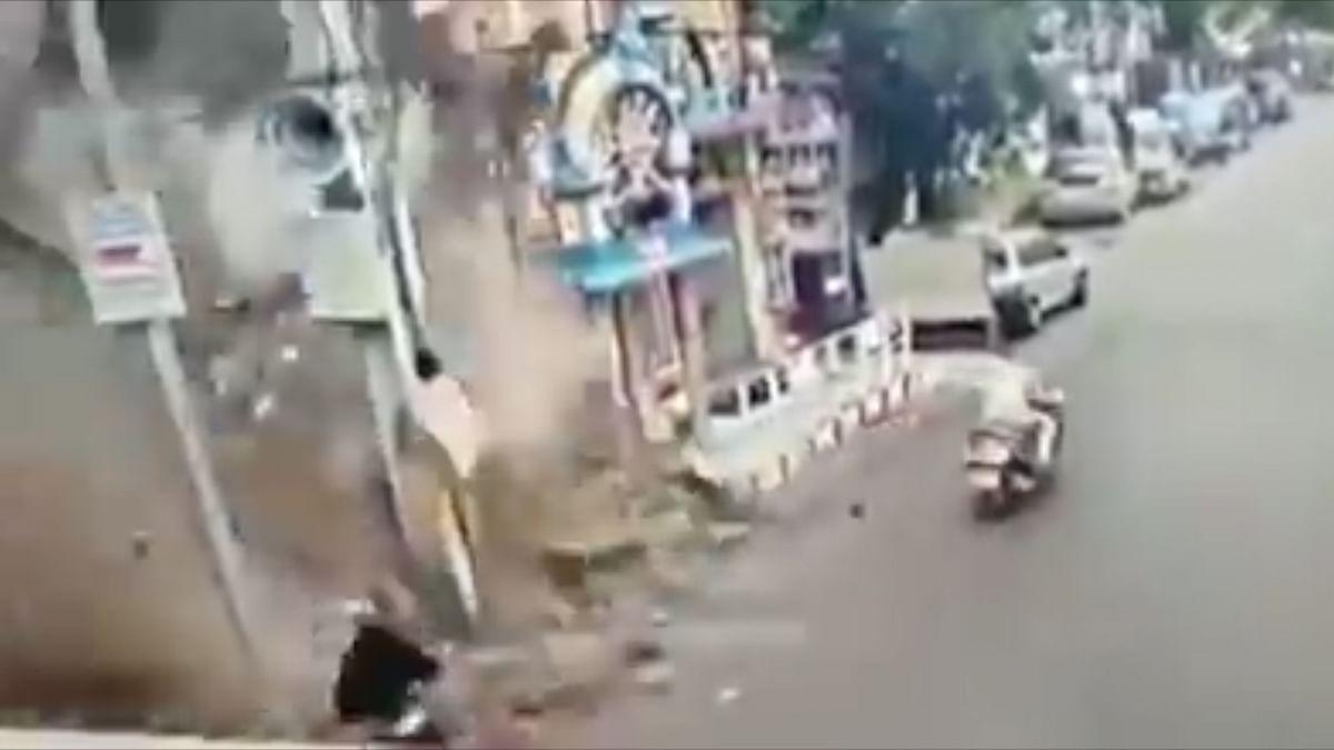 जाको राखे साइंया!!! बाल-बाल बची महिला का वीडिओ वायरल