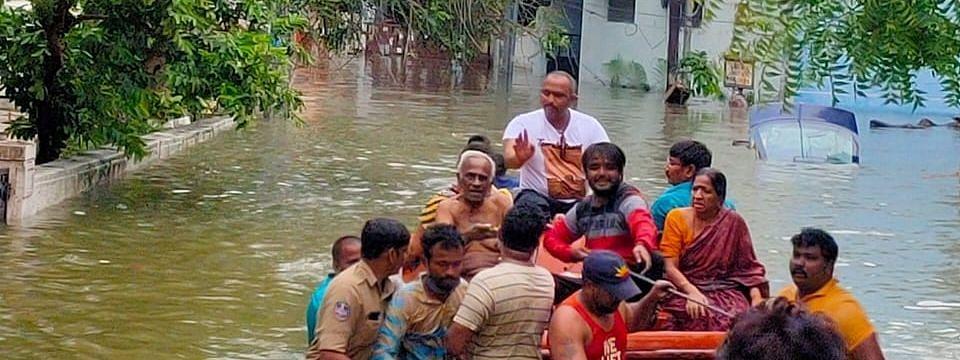 हैदराबाद में बारिश से तबाही जारी, कई इलाकों में जलभराव