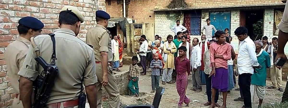 उन्नाव दुष्कर्म पीड़िता के भतीजे के लापता होने पर 3 पुलिसकर्मी निलंबित