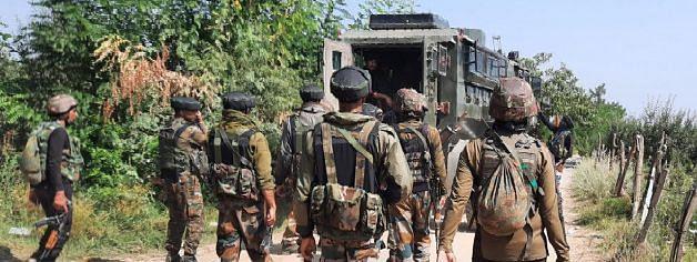 कश्मीर में जवानों को ड्रोन हमले को ध्वस्त करने की दी जा रही ट्रेनिंग