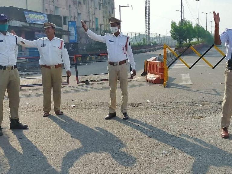 हैदराबाद बारिश: मुसी नदी पर बना पुराना पुल दरार के कारण बंद