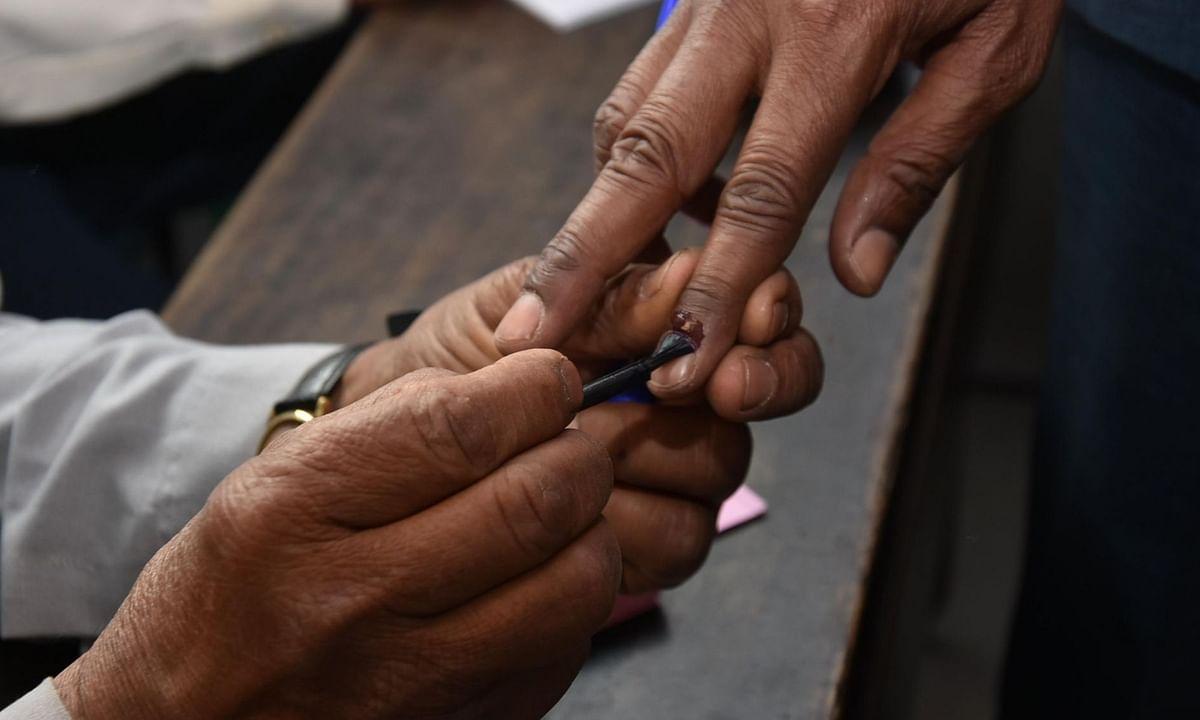 बिहार चुनाव: रिश्तों पर भारी सियासत, कहीं पर सास-बहू में टक्कर तो कहीं पर देवरानी-जेठानी में