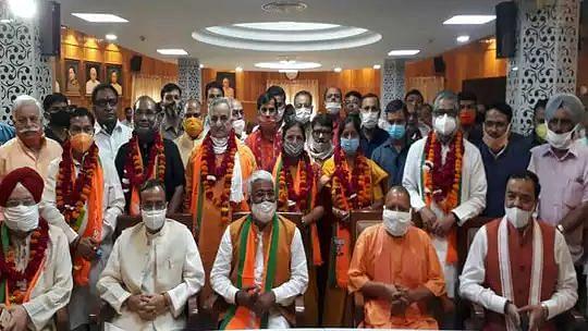 उत्तर प्रदेश: राज्यसभा चुनाव के लिए भाजपा के 8 प्रत्याशियों ने किया नामांकन