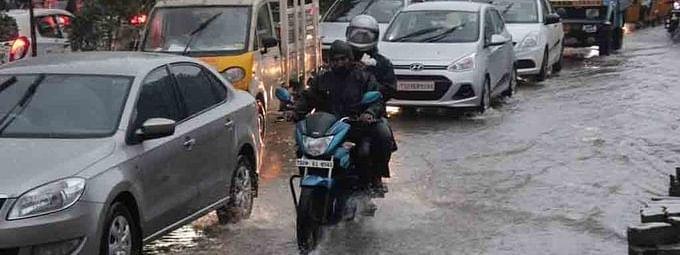 हैदराबाद से जुड़ने वाले राजमार्गो पर बारिश से यातायात बाधित