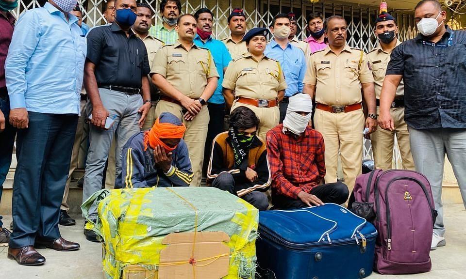 महाराष्ट्र: लूटी गई ATM कैश मशीन वैन बरामद, 4.22 करोड़ रुपये संग 3 गिरफ्तार