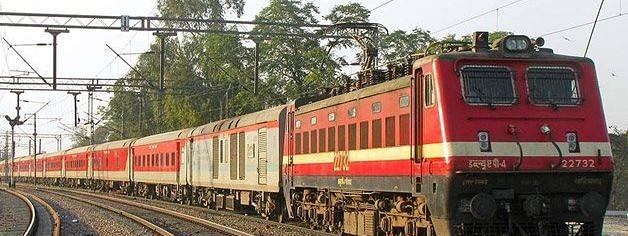 Festival Special Train: दिवाली और छठ पर्व के लिए रेलवे ने चलायी इन रूटों पर 13 स्पेशल ट्रेनें, आज ही से करा सकते है रिज़र्वेशन