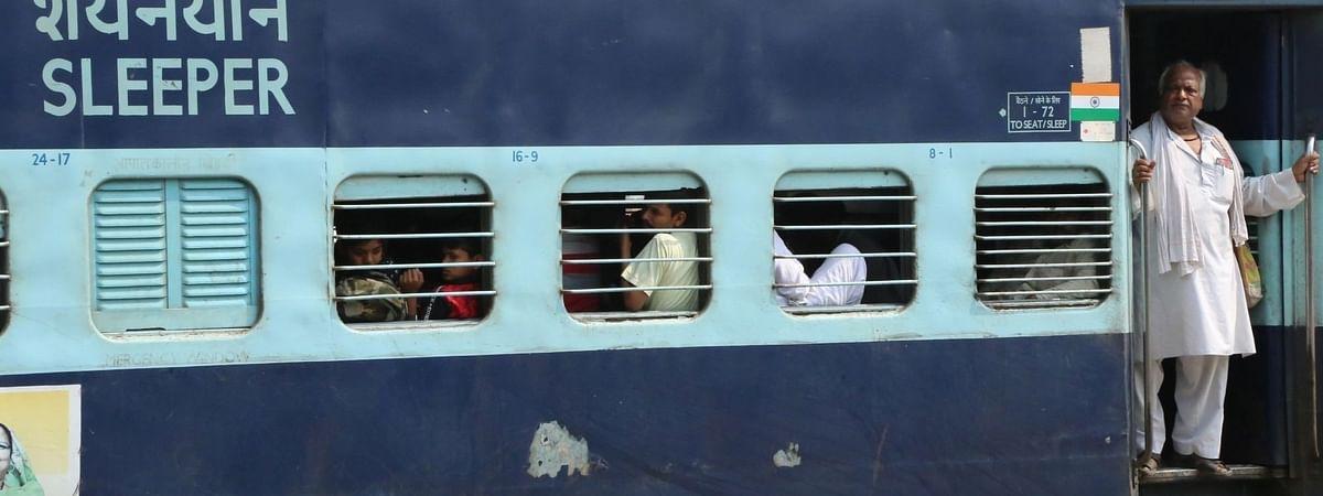 गुर्जर आंदोलन के कारण रेलवे ने रद्द की 3 ट्रेनें, 29 के रास्ते बदले