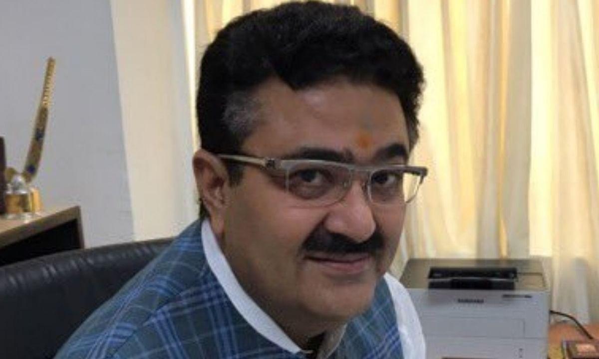 सरकार का एजेंडा नौकरशाह के लिए गीता-रामायण जैसा : नवनीत सहगल