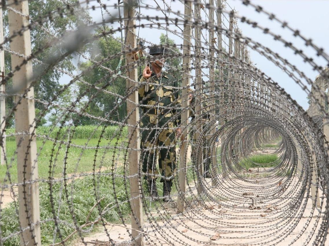 भारत-पाकिस्तान सीमा के पास जम्मू जिले में देखा गया ड्रोन