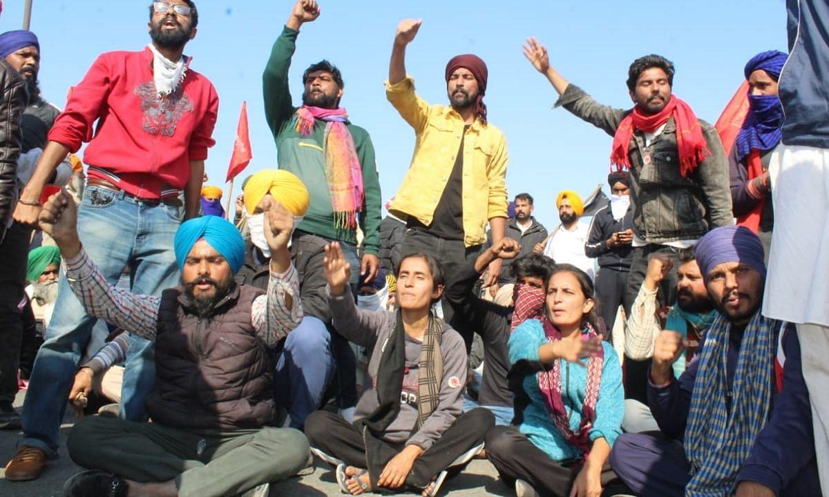 Farmer Protest: दो लाख किसान और पहुंच रहे दिल्ली, गाड़ियों का काफिला है 40 KM लंबा