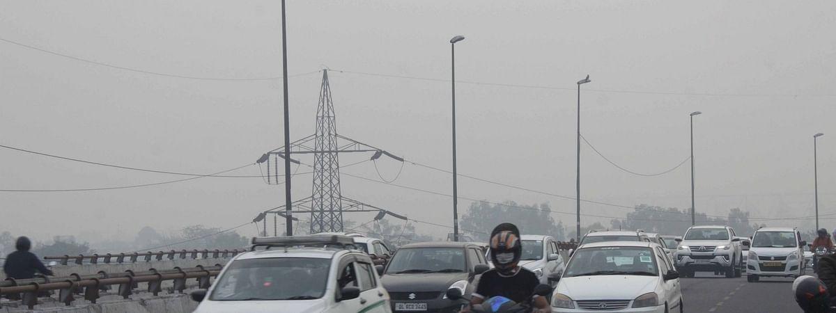 दिल्ली के लोगों को प्रदूषण से मिली थोड़ी राहत, Air Quality Index स्तर में हुआ सुधार