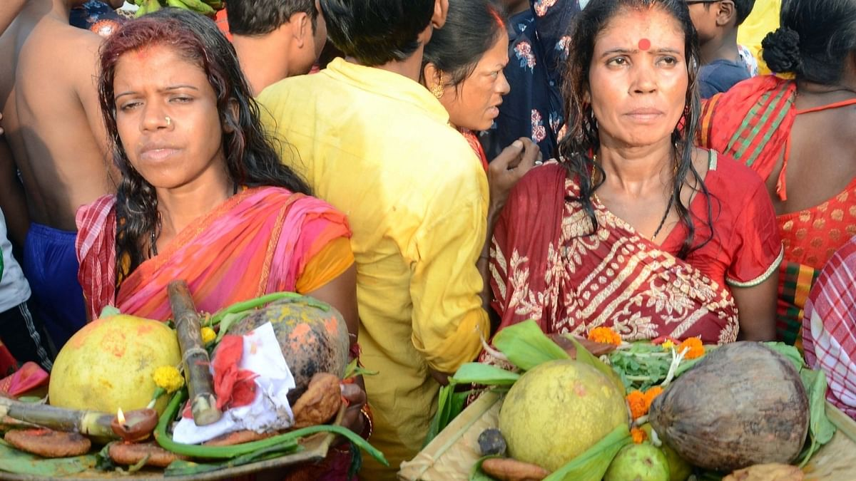 दिल्ली में छठ पूजा की छुट्टी घोषित, किन्तु सार्वजनिक स्थानों पर आयोजन प्रतिबंधित