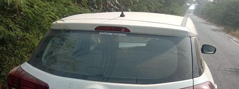 दिल्ली: द्वारका में एक शख्स ने अपनी कार में गोली मार कर की आत्महत्या
