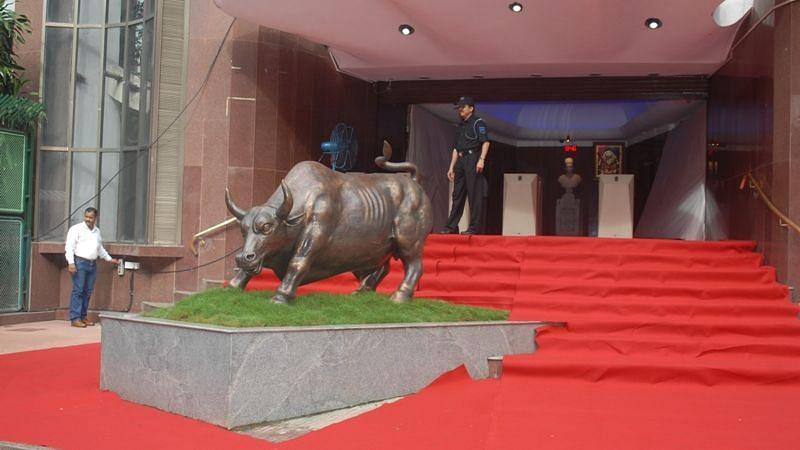 मुहूर्त ट्रेडिंग के दौरान ऐतिहासिक उंचाई पर चढ़े Sensex, Nifty