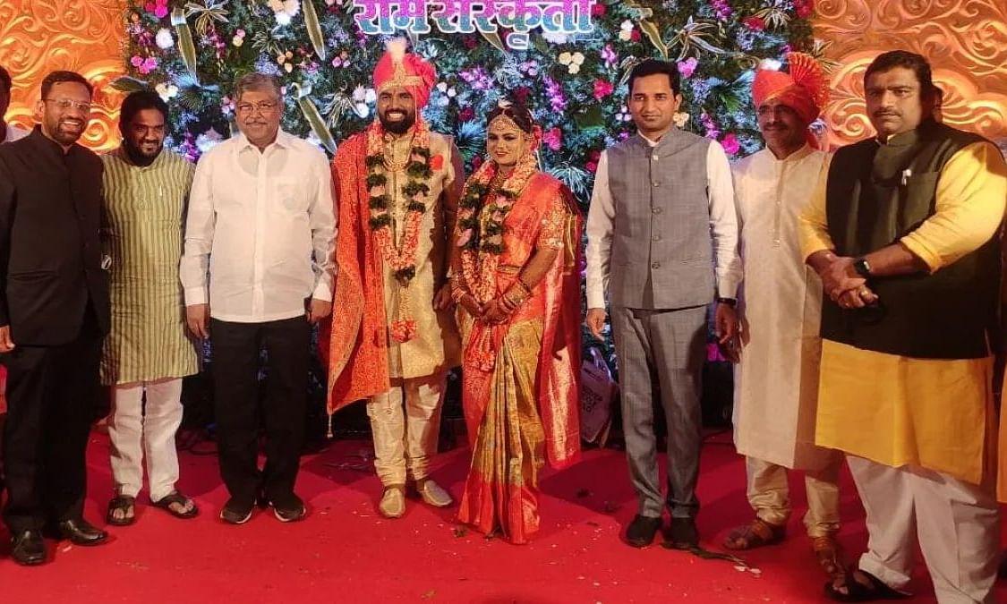 BJP विधायक की शादी में उड़ी कोरोना नियमों की धज्जियां, ना ही मास्क और ना ही सोशल डिस्टेंसिंग..