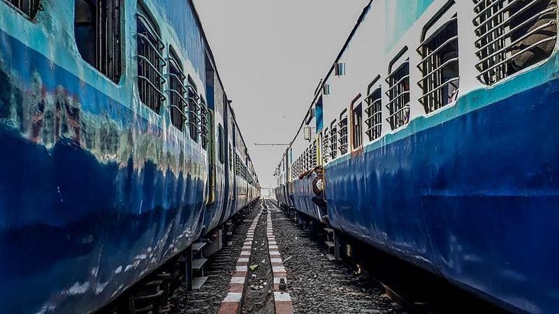 मांग के अनुरूप ट्रेन की उपलब्धता के लिए बढ़ा रहे क्षमता : रेलवे