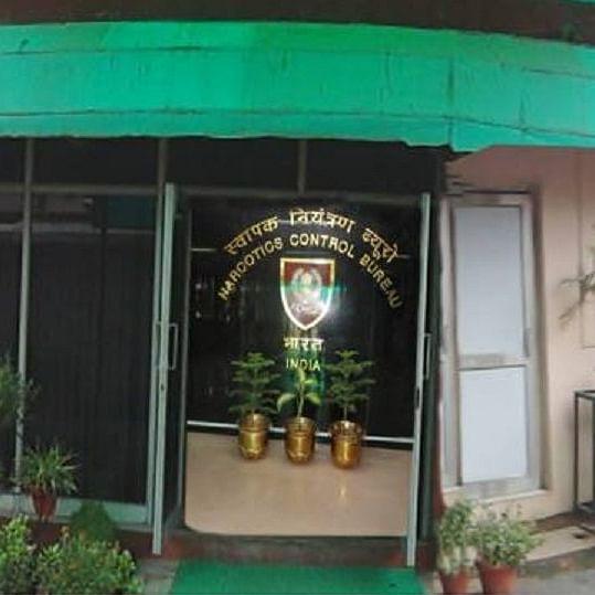 सुशांत मामला: NCB ने सेलिब्रिटी हेयरस्टाइलिस्ट और ड्रग पेडलर को दबोचा