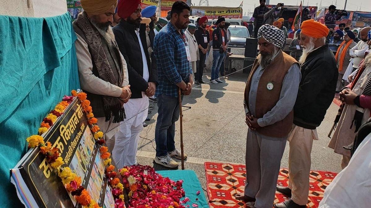 बॉर्डर पर मृतक किसानों को दी गई श्रद्धांजलि, मृतकों को बताया शहीद