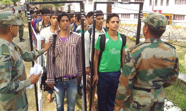 Indian Army Recruitment: भारतीय सेना में नौकरी का शानदार मौका, जाने कैसे कर सकते है अप्लाई