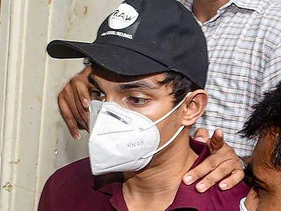Drugs Case: शोविक चक्रवर्ती को 3 महीने बाद मिली जमानत, NCB ने किया था गिरफ्तार
