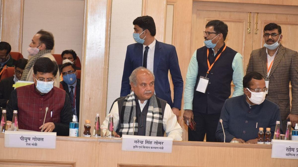 कृषि मंत्री तोमर को नौवें दौर की बैठक में समाधान निकलने की उम्मीद, 15 जनवरी को होगी अगली वार्ता