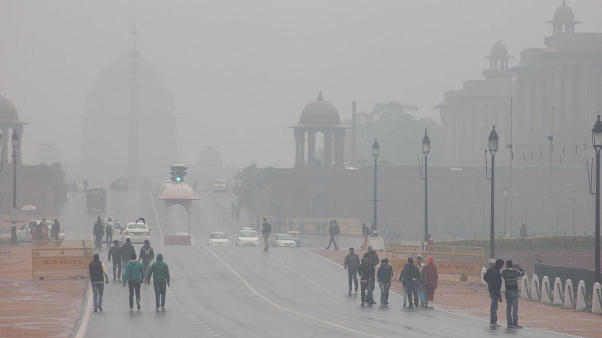 दिल्ली में 14 साल की सबसे सर्द सुबह, 1 डिग्री के करीब पहुंचा तापमान