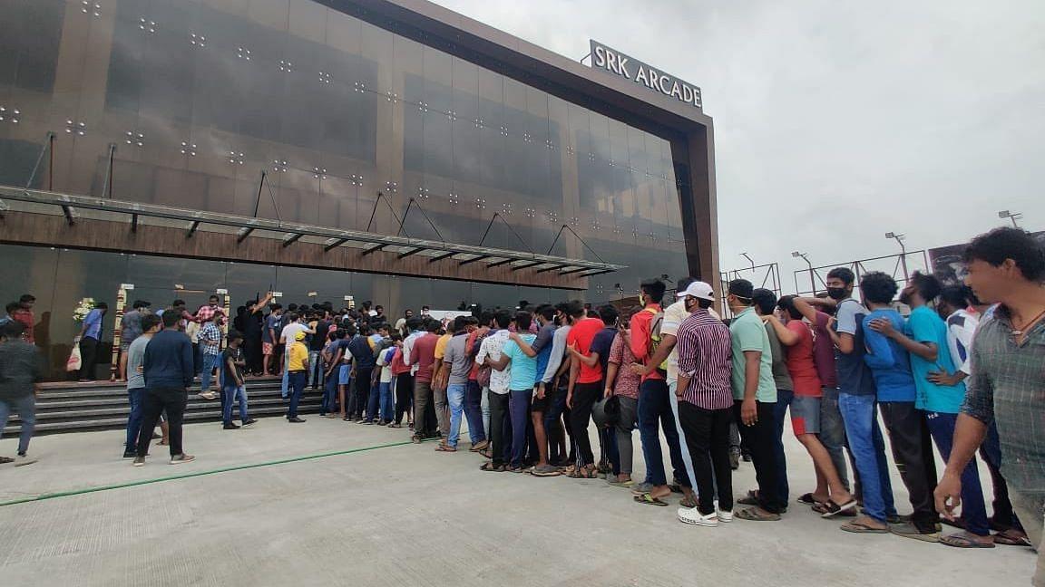 केरल में महामारी के कारण 10 महीने बाद खोले गए सिनेमा हॉल